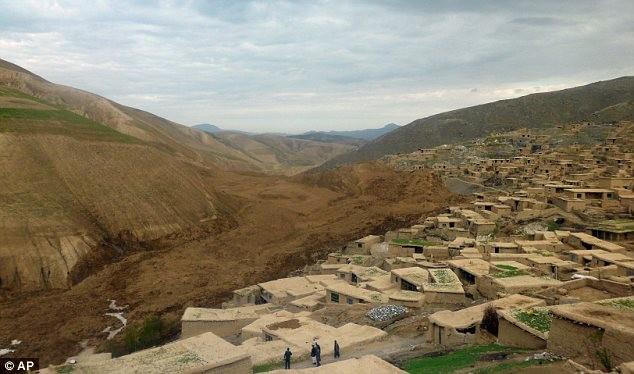 Hình ảnh lở đất kinh hoàng tại Afghanistan, 2.700 người chết ảnh 7