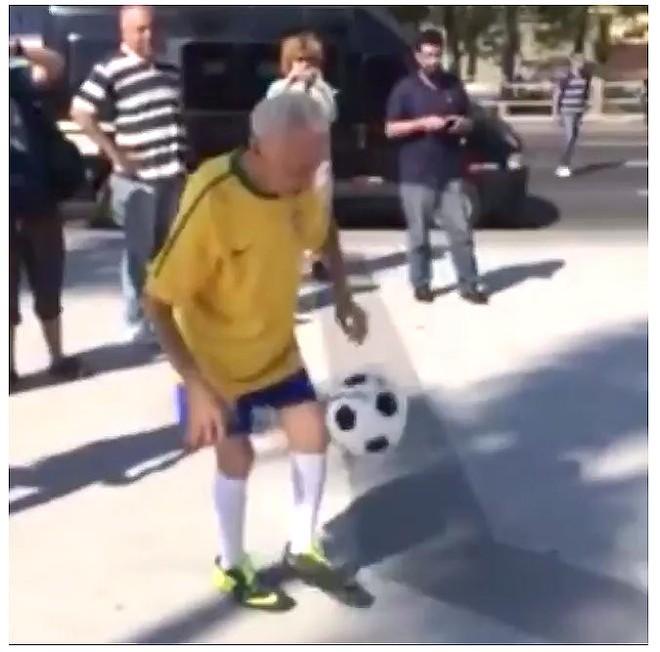 Cụ ông 87 tuổi tâng bóng gây bão cộng đồng mạng ảnh 1
