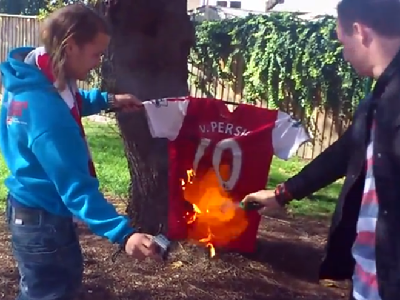Fan Arsenal phẫn nộ trước thông tin Cesc Fabregas gia nhập Chelsea ảnh 3