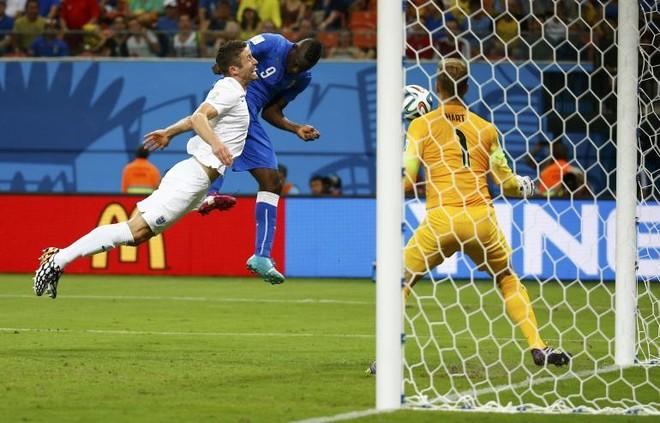 """Mario Balotelli được tâng lên tận """"mây xanh"""" ảnh 1"""