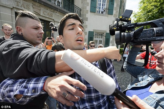 CAS phán quyết: Y án với Luis Suarez vụ cắn Chiellini ảnh 1