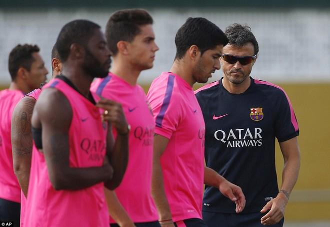 Luis Suarez chính thức khoác áo Barcelona vào thứ 2 ảnh 1