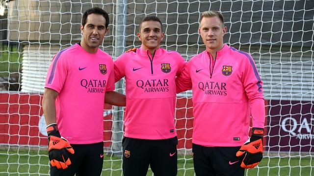 Luis Suarez chính thức khoác áo Barcelona vào thứ 2 ảnh 3
