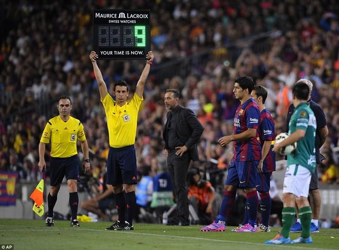Suarez lu mờ trước sao trẻ Barcelona B trong trận ra mắt ảnh 1