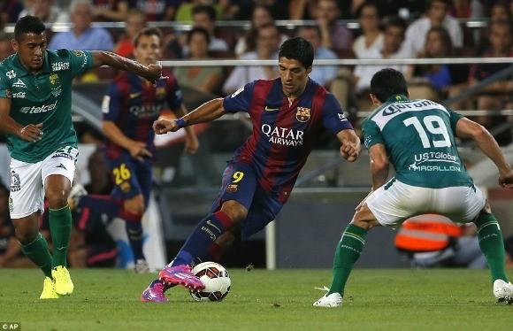 Suarez lu mờ trước sao trẻ Barcelona B trong trận ra mắt ảnh 2