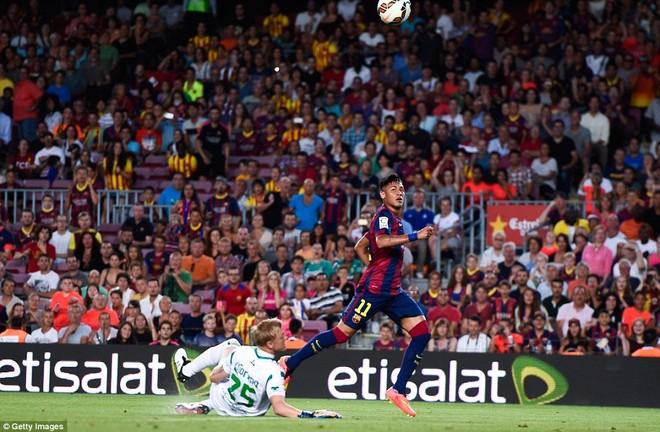 Suarez lu mờ trước sao trẻ Barcelona B trong trận ra mắt ảnh 5
