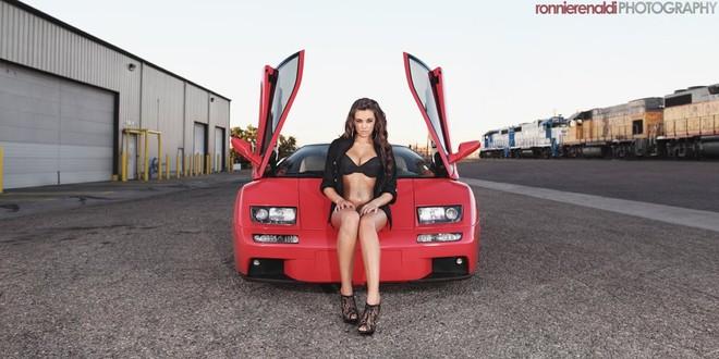 """Bỏng mắt"" với Jenna bên Lamborghini Diablo VT ảnh 1"