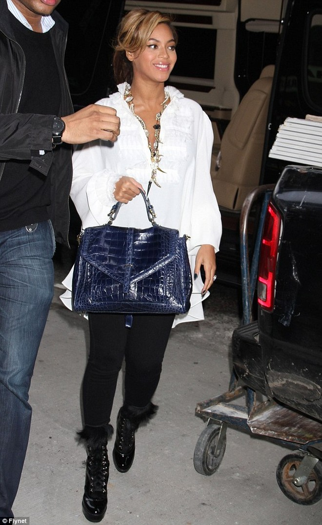 Beyonce: Sắm xế sang Maybach để chuẩn bị cho đứa con sắp chào đời. ảnh 5