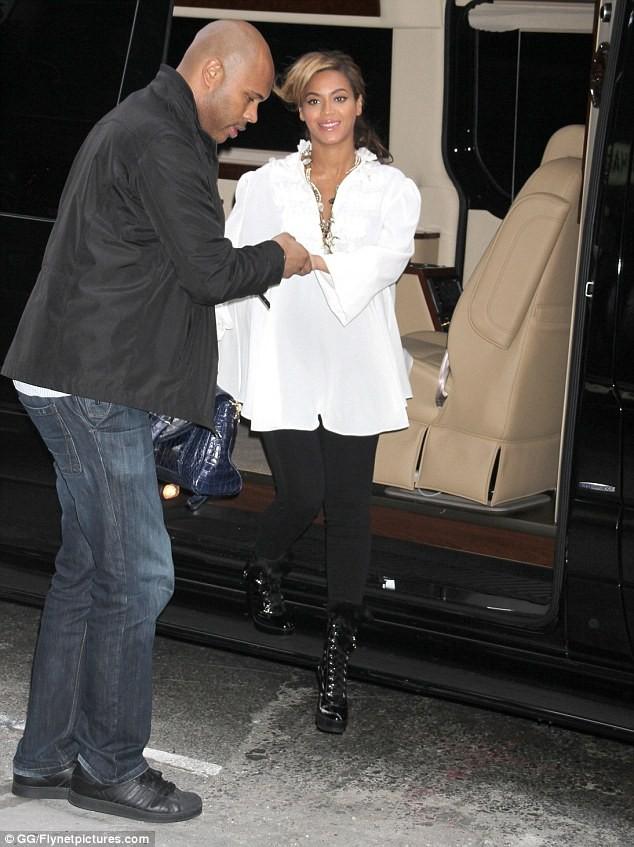 Beyonce: Sắm xế sang Maybach để chuẩn bị cho đứa con sắp chào đời. ảnh 4