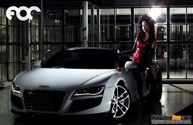 """Nóng bỏng """"cặp đôi hoàn hảo"""" Pim Hongsapan và Audi R8 Spyder ảnh 1"""