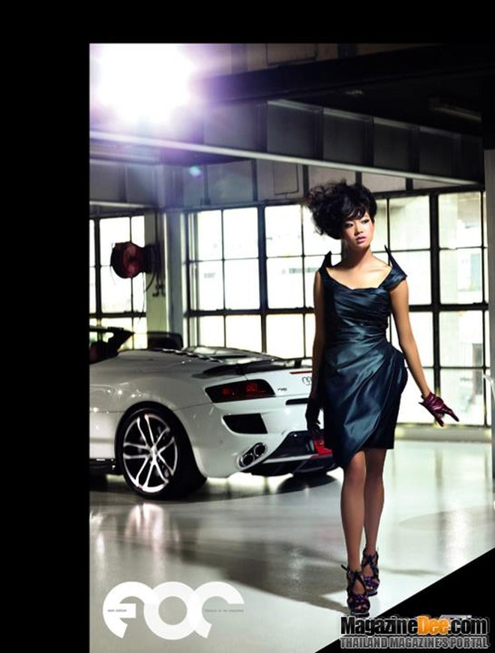 """Nóng bỏng """"cặp đôi hoàn hảo"""" Pim Hongsapan và Audi R8 Spyder ảnh 2"""