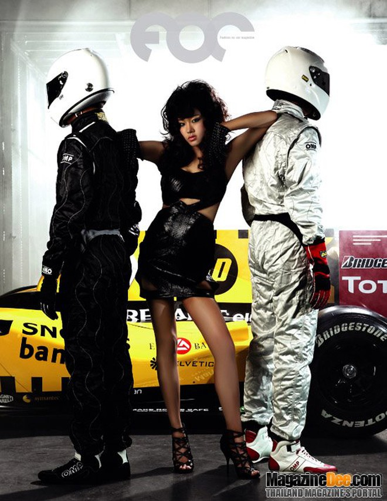 """Nóng bỏng """"cặp đôi hoàn hảo"""" Pim Hongsapan và Audi R8 Spyder ảnh 4"""