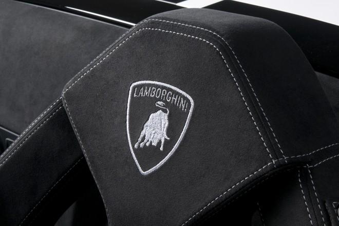 Lamborghini Gallardo LP550-2 sẽ đánh bại Porsche 911 ? ảnh 7