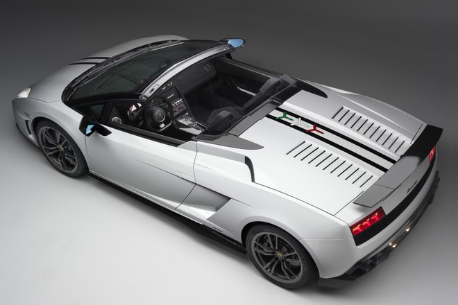 Lamborghini Gallardo LP550-2 sẽ đánh bại Porsche 911 ? ảnh 3