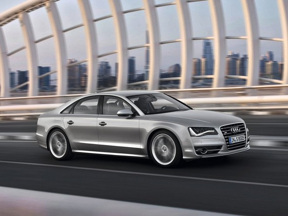Trải nghiệm cùng Audi S8 phiên bản 2013 ảnh 1