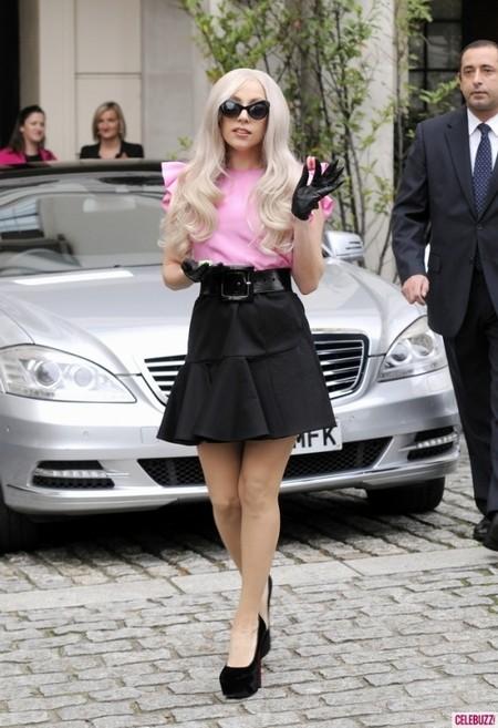 Sững sờ với vẻ thanh lịch dịu dàng của Lady Gaga ảnh 1