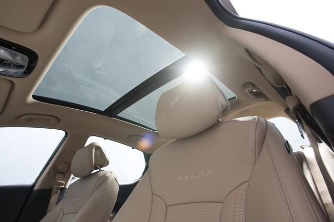 Đối thủ xứng tầm của Lexus ES - Hyundai Azera 2012 ảnh 6
