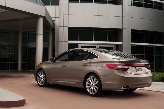 Đối thủ xứng tầm của Lexus ES - Hyundai Azera 2012 ảnh 4