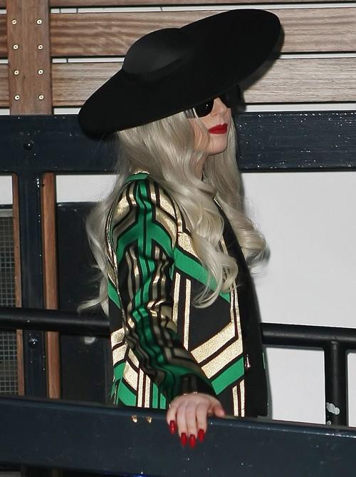 """Lady Gaga """"dọa ma"""" trẻ con ảnh 5"""