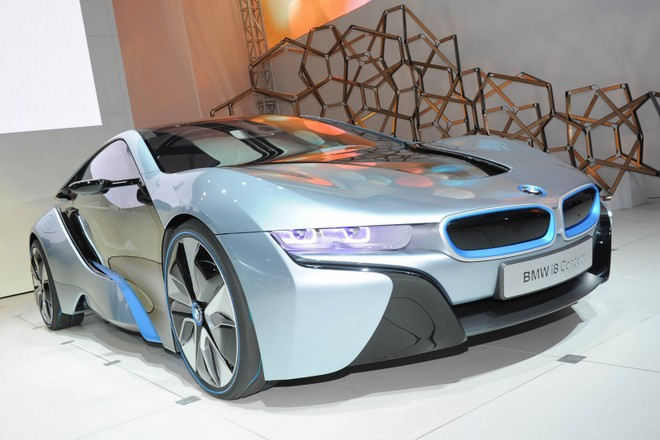 Cặp đôi BMW i3 và i8 trình diễn ấn tượng cùng người đẹp Mission Impossible 4 ảnh 7