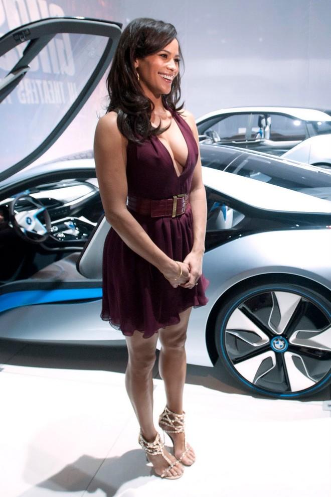Cặp đôi BMW i3 và i8 trình diễn ấn tượng cùng người đẹp Mission Impossible 4 ảnh 11