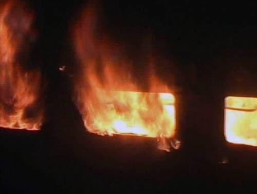 Ấn Độ: Lại cháy tàu tốc hành , ít nhất 7 người thiệt mạng ảnh 2