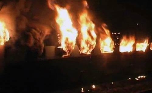 Ấn Độ: Lại cháy tàu tốc hành , ít nhất 7 người thiệt mạng ảnh 3