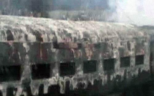 Ấn Độ: Lại cháy tàu tốc hành , ít nhất 7 người thiệt mạng ảnh 5