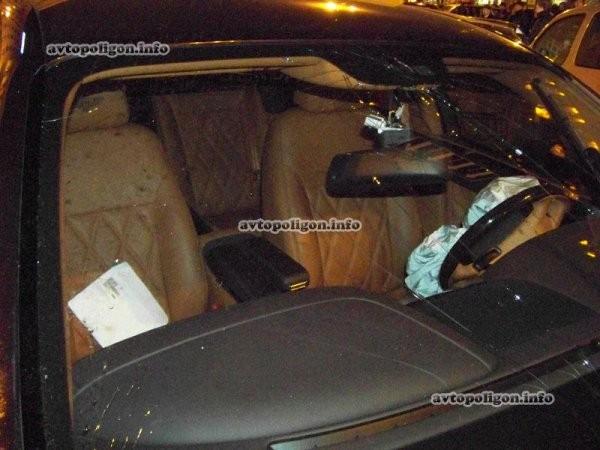 """Hãi hùng Bentley Continental Flying Spur """"nổi điên"""" trên phố ảnh 4"""