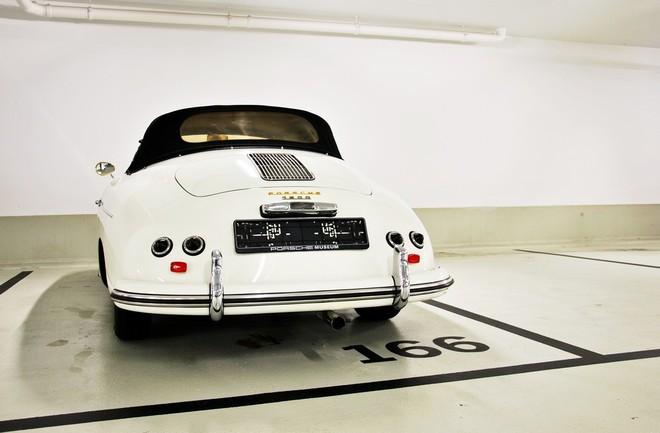 """""""Đột nhập"""" bảo tàng những chiếc """"tuyệt tác"""" của Porsche ảnh 8"""