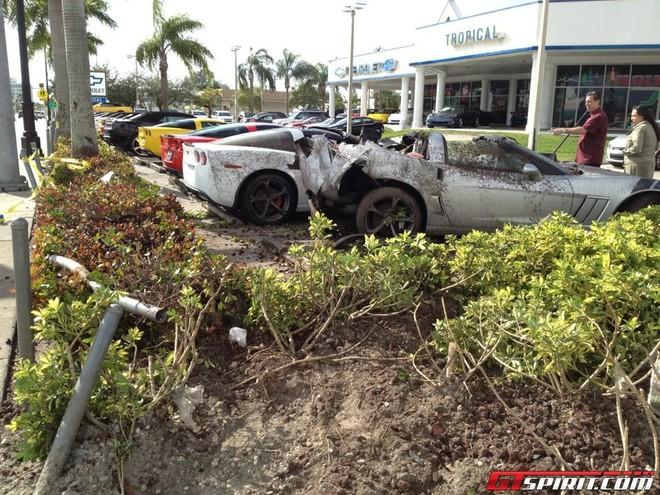 Tài xế say xỉn tông nát 3 chiếc Chevrolet Corvette Grand Sport ảnh 2