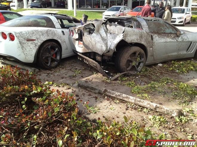 Tài xế say xỉn tông nát 3 chiếc Chevrolet Corvette Grand Sport ảnh 1