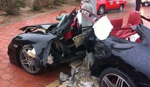 """Porsche 977 Turbo """"tử nạn"""" trên đường ảnh 1"""