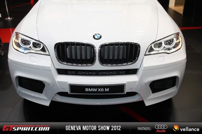 Cận cảnh BMW X6 M Facelift mới ảnh 4
