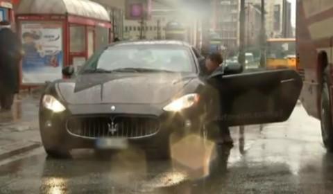 """Maserati GranTurismo rụng """"cánh"""" trong khoảnh khắc ảnh 1"""