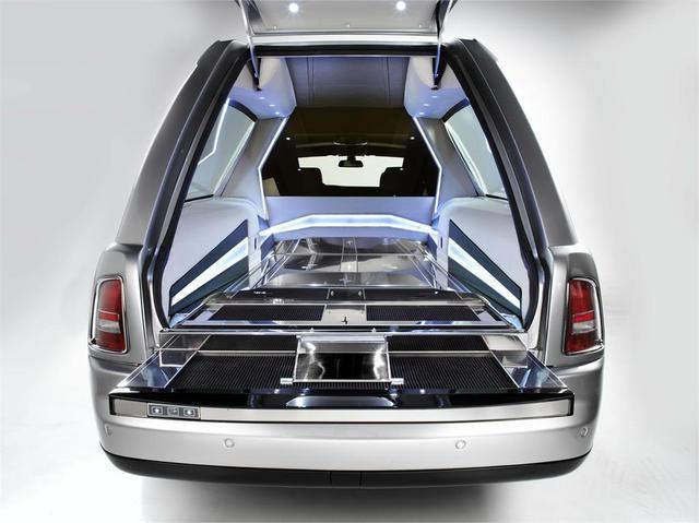 Rolls-Royce Phantom B12 - chiếc xe tang đắt nhất thế giới ảnh 3