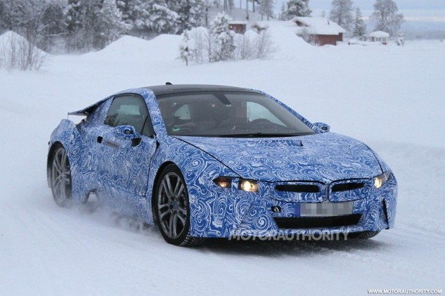 """Ảnh nóng BMW i8 """"khổ luyện"""" ở Bắc Cực ảnh 2"""