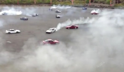 Chóng mặt xem 70 chiếc xe cùng nhau phá vỡ kỉ lục Guinness ảnh 1
