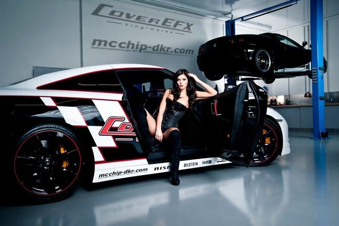 """Ngất ngây trước sự kết hợp của Nissan GT-R và Hoa hâu """"xế"""" độ ảnh 2"""