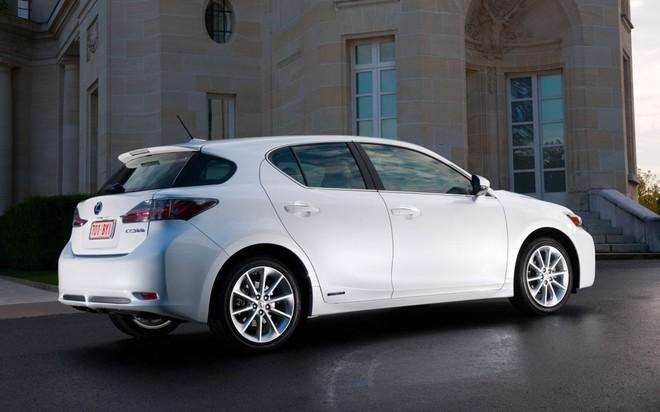 """Xe sang nhà Lexus được """"nâng đời"""" với giá bán hấp dẫn ảnh 2"""
