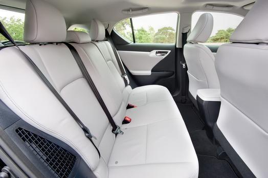 """Xe sang nhà Lexus được """"nâng đời"""" với giá bán hấp dẫn ảnh 8"""