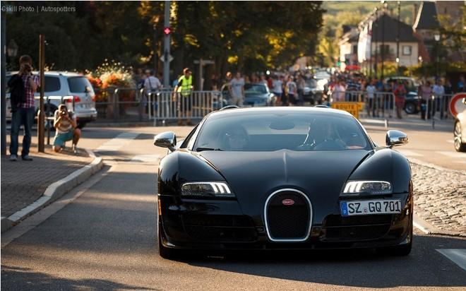 Chiêm ngưỡng dàn siêu xe Bugatti quần tụ tại Pháp ảnh 9