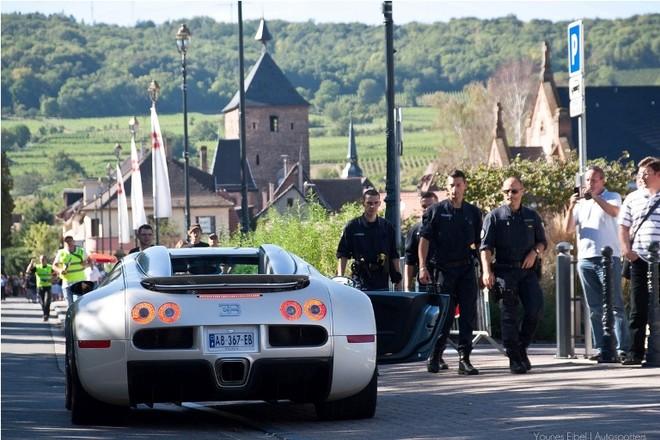 Chiêm ngưỡng dàn siêu xe Bugatti quần tụ tại Pháp ảnh 12