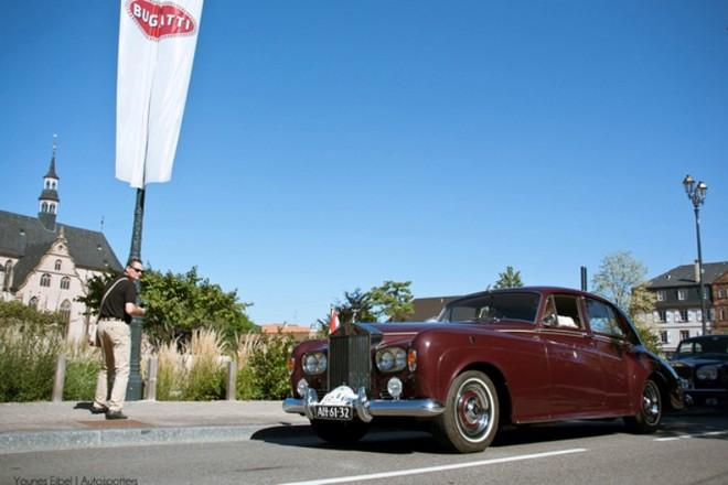 Chiêm ngưỡng dàn siêu xe Bugatti quần tụ tại Pháp ảnh 1