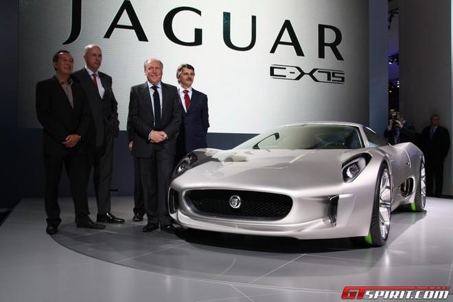 """Jaguar đưa chú """"báo xanh"""" C-X75 ra ngoài đời thực ảnh 1"""