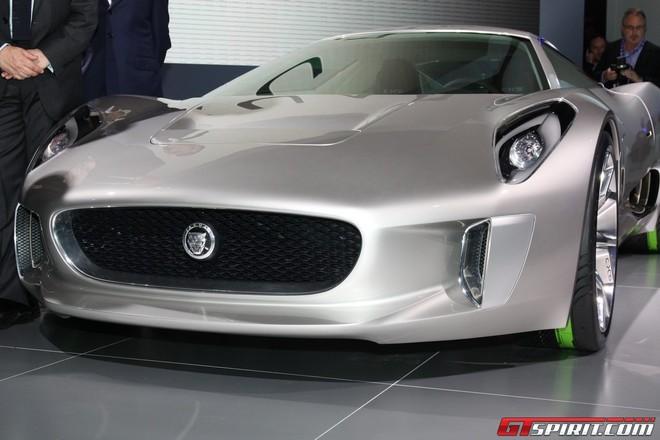 """Jaguar đưa chú """"báo xanh"""" C-X75 ra ngoài đời thực ảnh 2"""