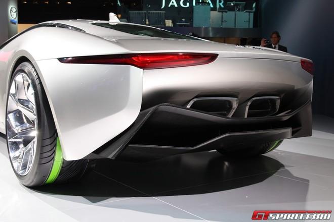 """Jaguar đưa chú """"báo xanh"""" C-X75 ra ngoài đời thực ảnh 3"""