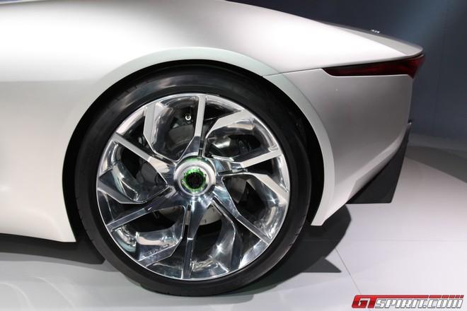 """Jaguar đưa chú """"báo xanh"""" C-X75 ra ngoài đời thực ảnh 4"""