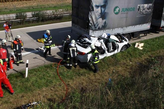 Một lái xe thiệt mạng khi lái thử nghiệm BMW 5-Series ảnh 6