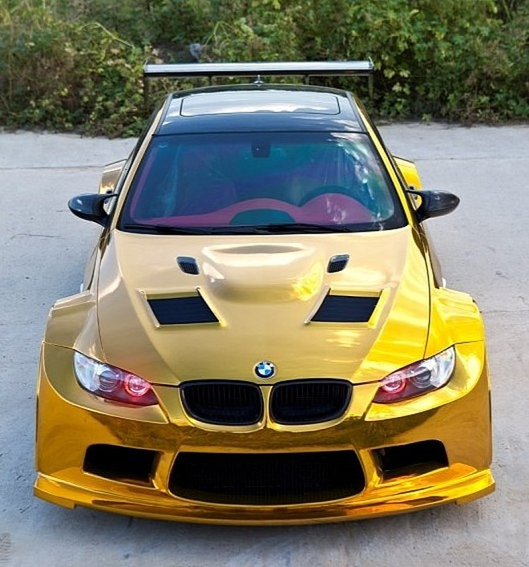 """Đại gia Trung Quốc """"độ"""" BMW bằng vàng ròng ảnh 5"""